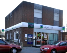 Lloyds TSB, Three Bridges