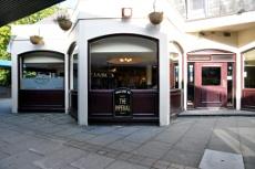 Imperial pub, Broadfield