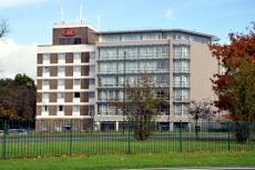 Crowne Plaza hotel, Crawley
